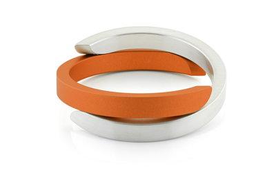 Bracelet crossed C's